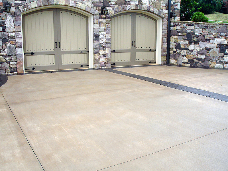 Photo gallery glavas concrete for Bleaching concrete driveway